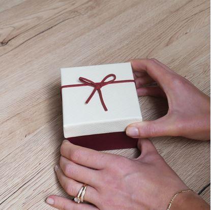 Obrázek Dárková krabička s mašličkou