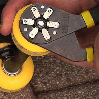 Obrázek z Univerzální klíč - kleště 12-20 mm