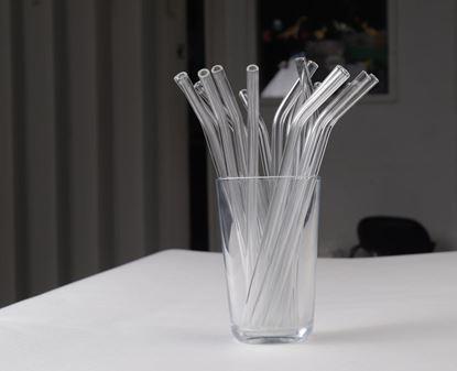 Obrázek Zahnuté skleněné brčko