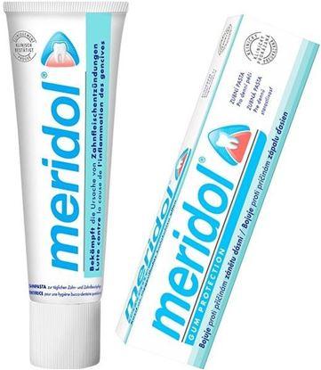 Zubní pasta s modro bílým obalem