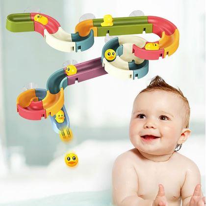 Hraní ve vaně