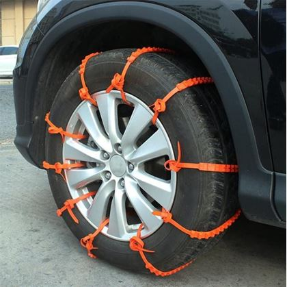 Nouzové pásy na vyproštění auta